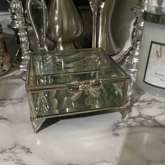 Cynthia Rowley Crystal Mirrored Bow Jewelry Box